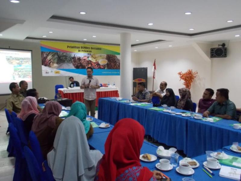 Rekomendasikan Desa Sawit, SPKS-FPPD Taja Pelatihan BUMDesa di Pelalawan