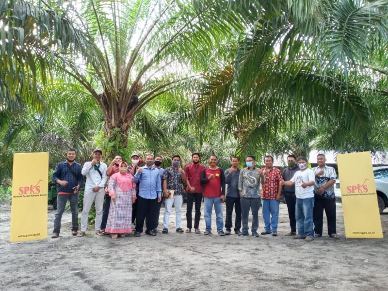 Dengar Keluhan SPKS, Daniel Johan Janji Perjuangkan Kesejahteraan Petani